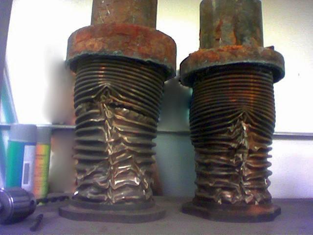 A kosütés következtében megrongálódott csőkompenzátor